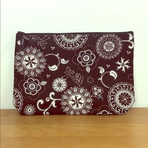 Thirty-One 🌸 31 Onyx Medallion Zipper Pouch Bag